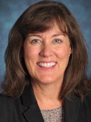 Leslie Cervantes is the associate vice president for alumni engagement and participation..