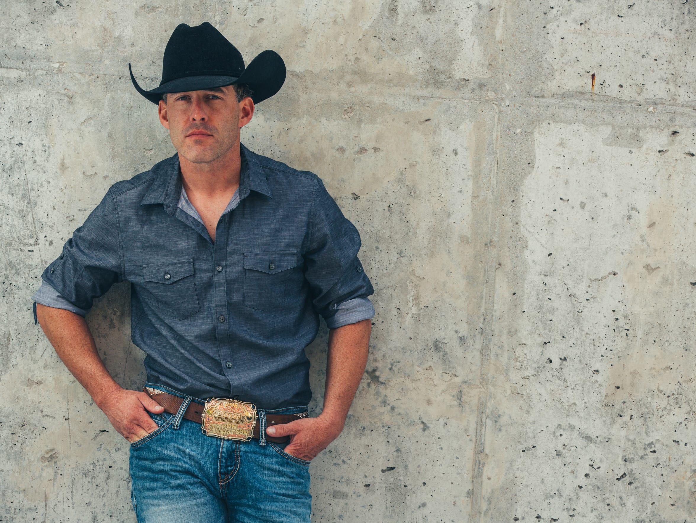 After long road trips, country singer Aaron Watson