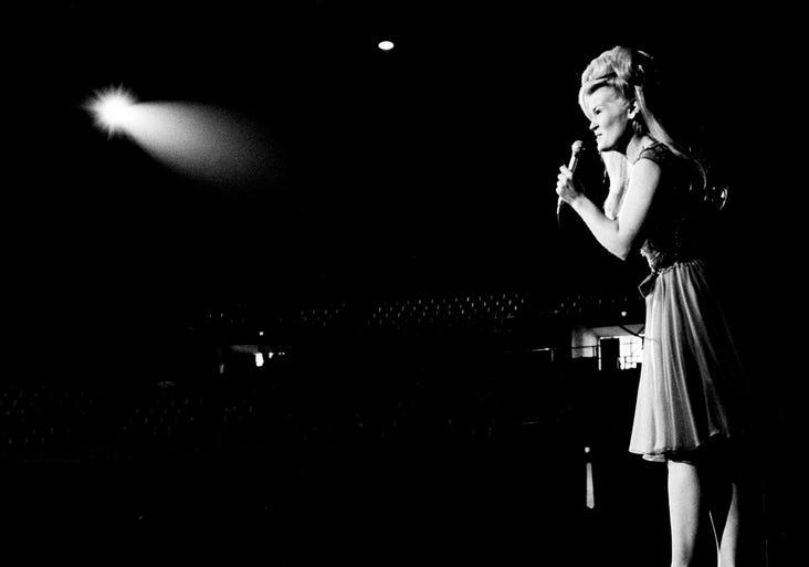 Music Tours Film Tv Tech Fiona Apple W Watkins Family Free Concert Stream Tomm 8 8 2015 8 7