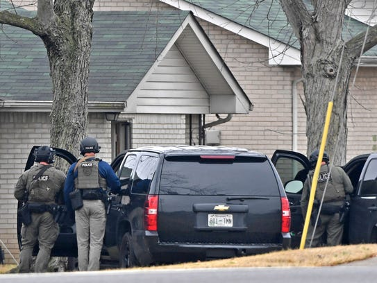 Metro police and negotiators were on scene at a Hermitage