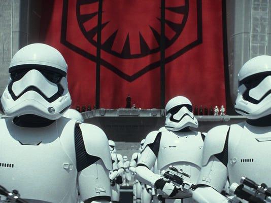 IMG_Storm_troopers_10_1_E2BPPDHJ.jpg_20150920.jpg