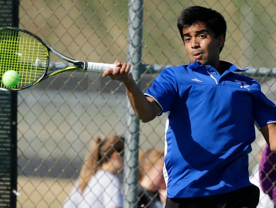 636602809918907655-OSH-Oshkosh-West-Boys-Tennis-v-Neenah-042518-JS-0124B.jpg