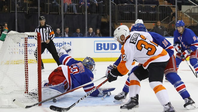 Mark Streit had a goal and an assist in the Flyers' 4-2 win over the Rangers Thursday night.