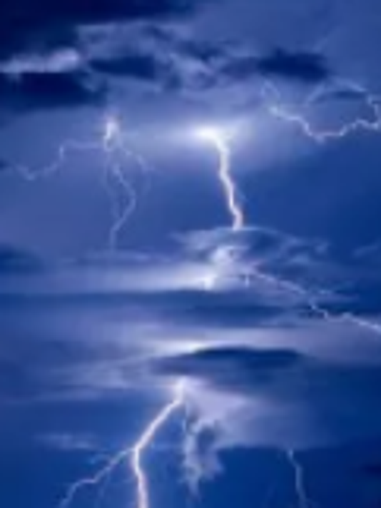 636604433547343222-lightning.PNG