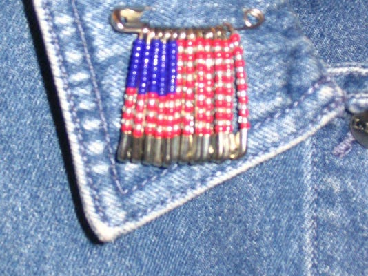 2015 1347654467-Flag safety pin2.jpg_20060620.jpg