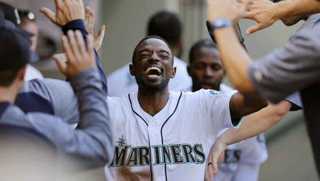 Dee Gordon has trade value, but the Seattle Mariners may retain him because he also has value in the clubhouse.