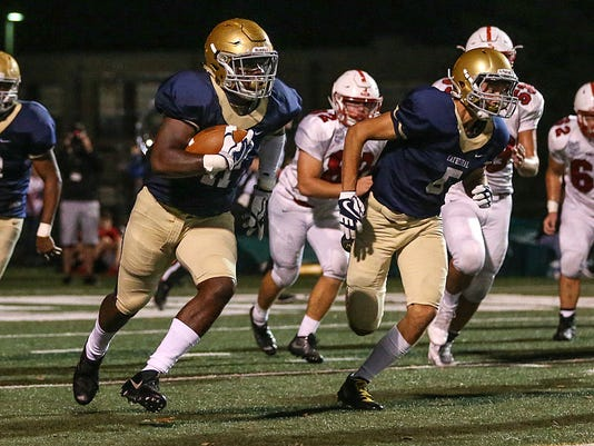 636435302935677617-1013-hsfb-Center-Grove-Cathedral-JRW011.JPG