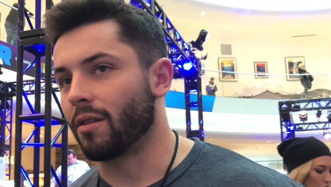 Oklahoma and Heisman Trophy-winning quarterback Baker Mayfield talks about the chances he gets drafted by the New York Giants, proving to teams that he isn't the next Johnny Manziel and why he is picking the Patriots in Super Bowl LII. Mayfield is promoting Panini trading cards at the Mall of America during festivities for Super Bowl LII.
