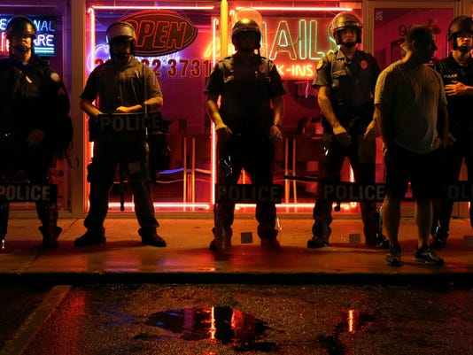 -BCEBrd_08-18-2014_BCE_1_A005~~2014~08~17~IMG_Police_Shooting_Miss_7_1_20895.jpg