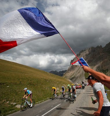 Aru Falters, Froome Soars In Skinny Air Of The Alps
