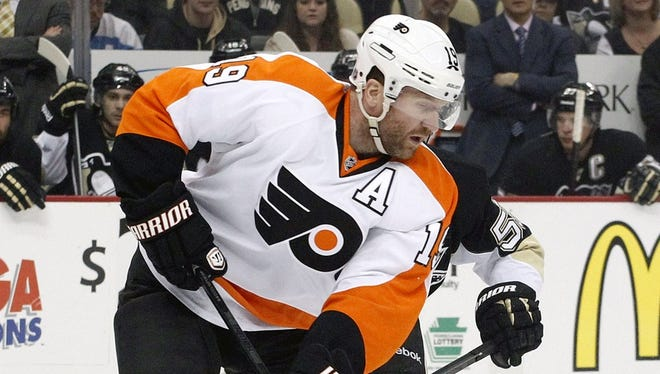 Scott Hartnell had a hard hit on Kris Letang in the third period of Saturday's win for the Flyers.