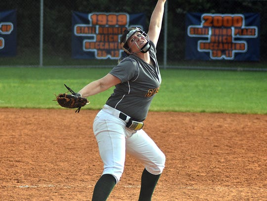 Gallatin pitcher Sidney Link delivers a pitch during