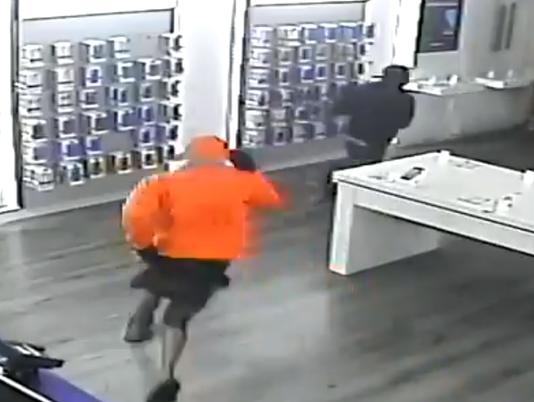 Burglars hit Titusville cell store