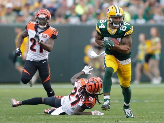 Green Bay Packers tight end Lance Kendricks (84) breaks