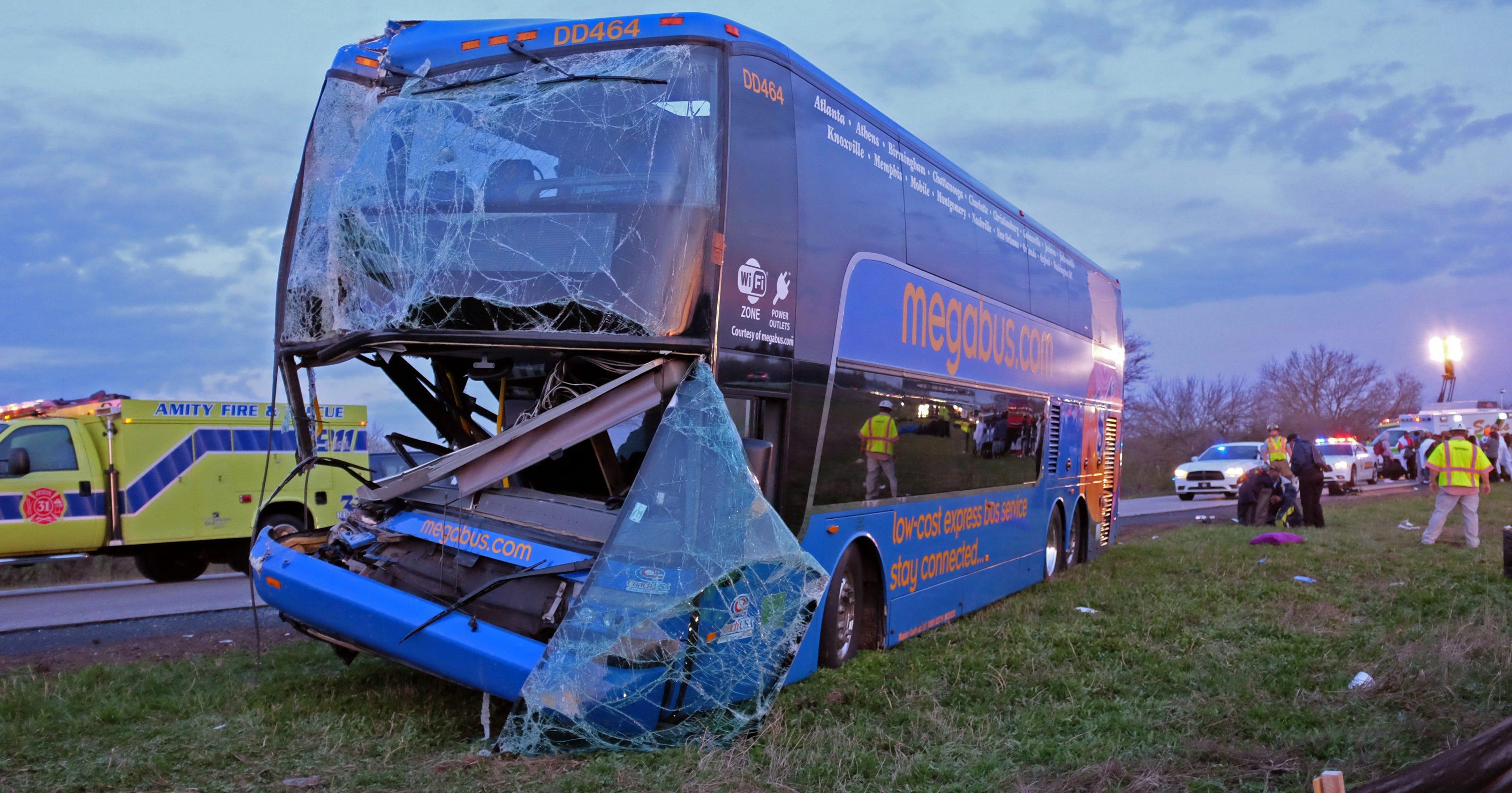 19 Injured In Megabus Crash On I 65 In Johnson County