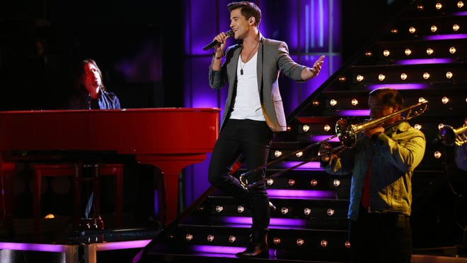 "Shreveport's Dez Duron performed Justin Bieber's ""U Smile"" on ""The Voice."""