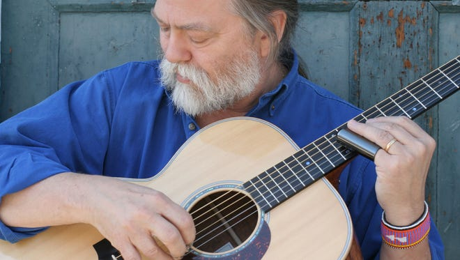 Scott Ainslie will perform as part of the Tomorrow River Concerts Series on April 9 at the Lettie W. Jensen Community Center Theater in Amherst.