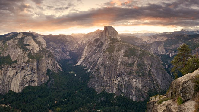 No matter how far it is to the summit, hiking a peak is great exercise, and the stunning views of the area below are hard to pass up! Case in point, the hike to Glacier Point at Yosemite National Park in California. It overlooks the Yosemite Valley below, offering views of Half Dome.