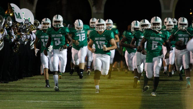 Fort Myers takes on Lehigh in high school football on Friday, September 30, 2016, at Fort Myers High School.