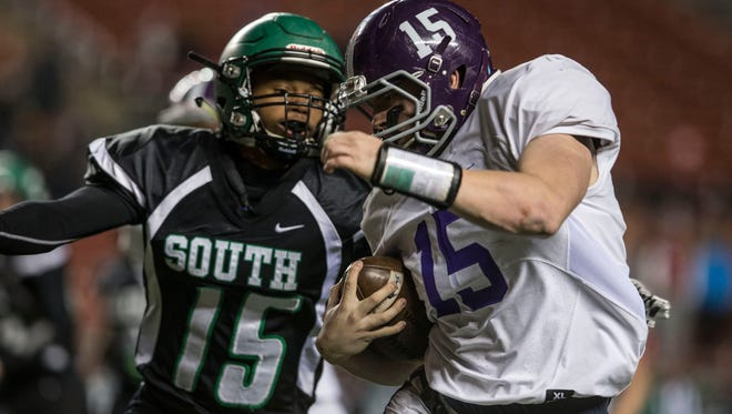 South Plainfield vs Rumon-Fair Haven Central Group III sectional title game at High Point Solutions Stadium. Piscataway, NJSaturday, December 3, 2016.@dhoodhood