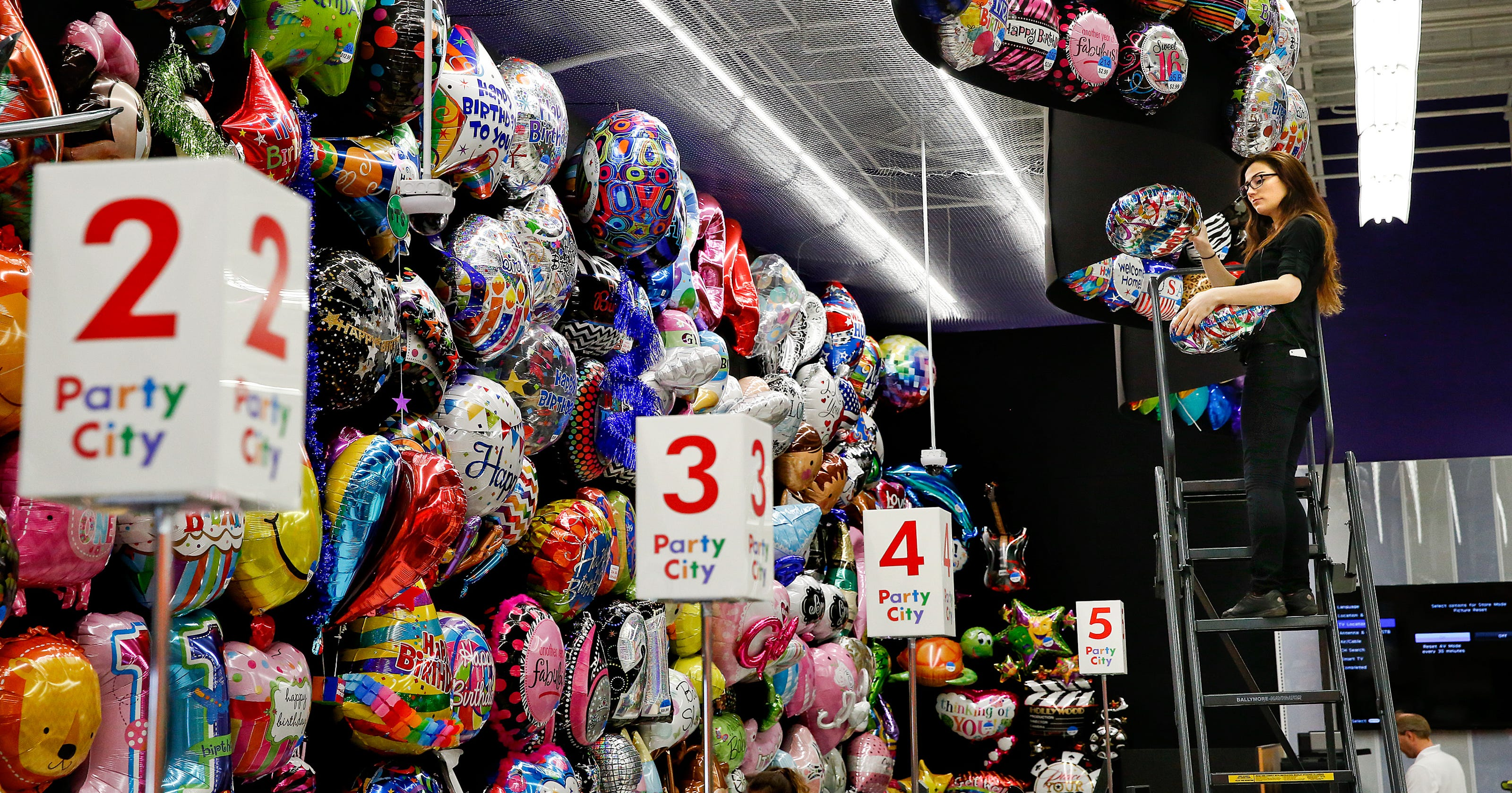 Party City Closes One Naples Site Shifts Staff And Inventory To Other