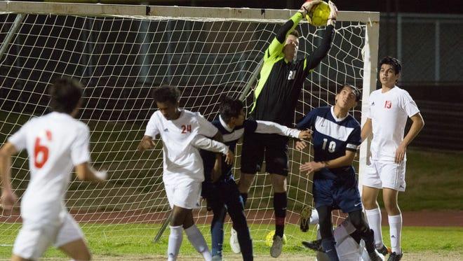 La Quinta boys soccer has their first loss of the season against Palm Desert, February 6, 2017.