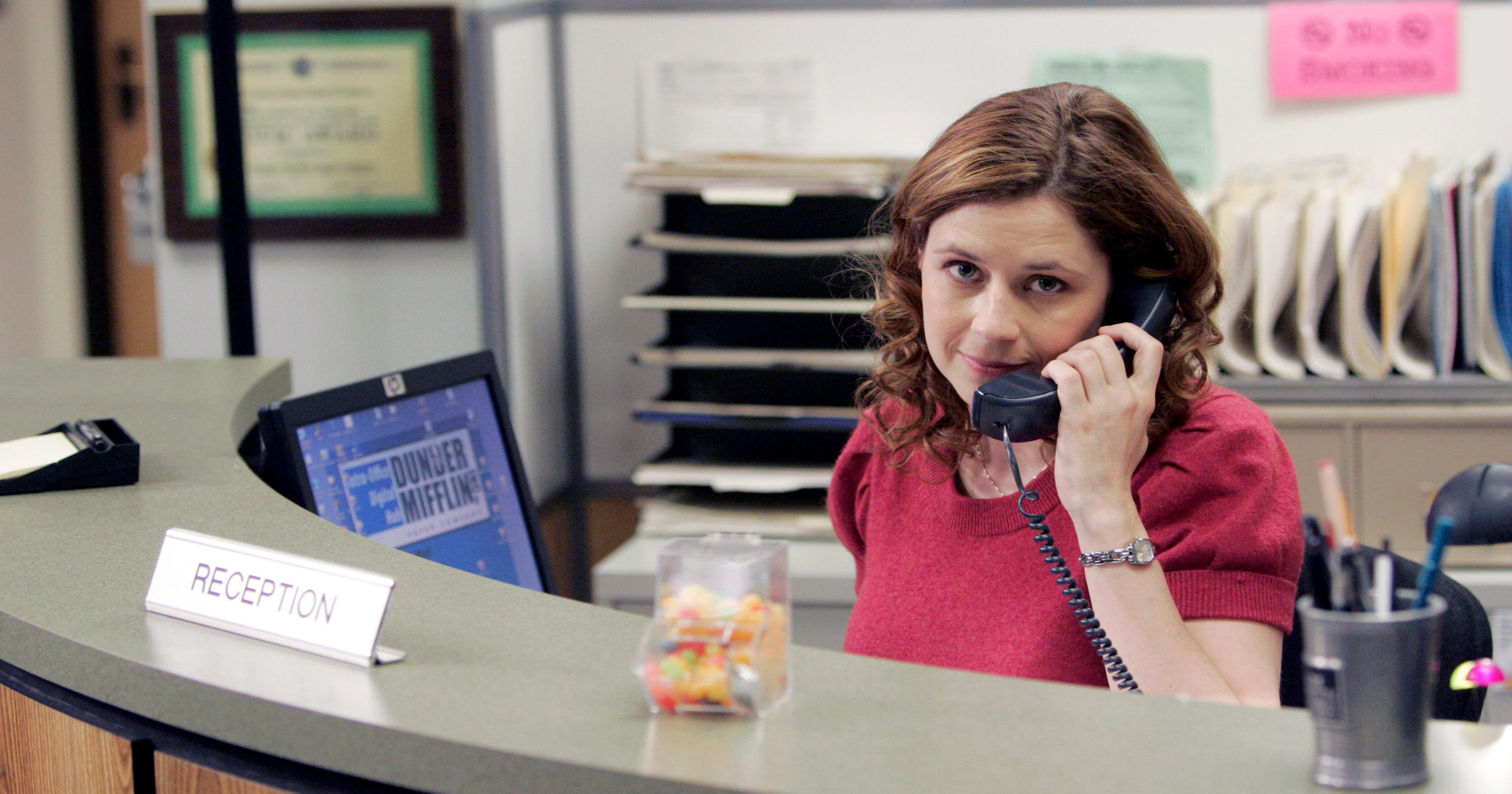 Chilis Lifts Ban On Office Character Pam Beesly