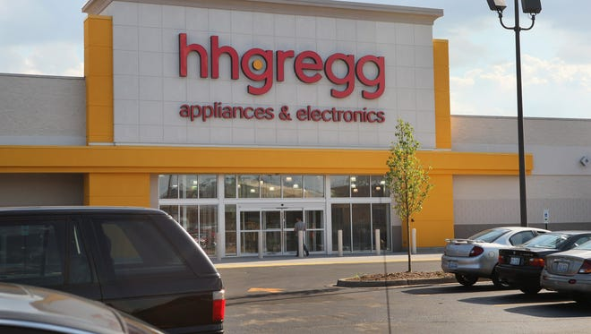 Hhgregg says it will close all three of its stores in Delaware, along with 85 others throughout the country, by mid-April.