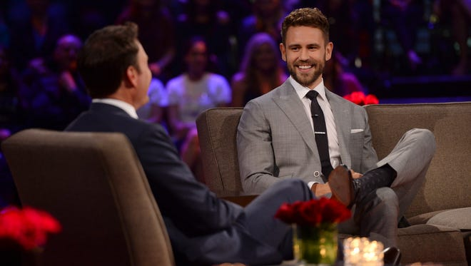 """Nick Viall chats with Chris Harrison during """"The Bachelor: The Women Tell All."""""""