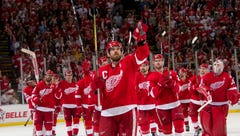 'Goosebumps': Wings close out Joe Louis Arena in style