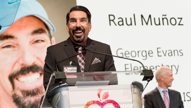Evans Elementary School physical education teacher Raul Muñoz was among eight Texas educators to win one of the largest monetary awards in the state.  On Sunday, H-E-B announced the statewide winners during an awards ceremony in Austin.