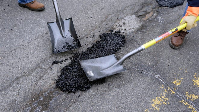 Officials for the City of Detroit have announced a plan to repair and resurface 100 miles of residential and major streets.