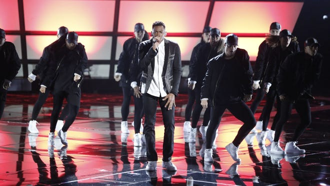 Chris Blue represents Team Alicia in the Season 12 finale of 'The Voice.'