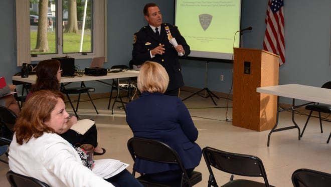 Fanwood Police Chief Richard Trigo speaks at a forum about heroin addiction.