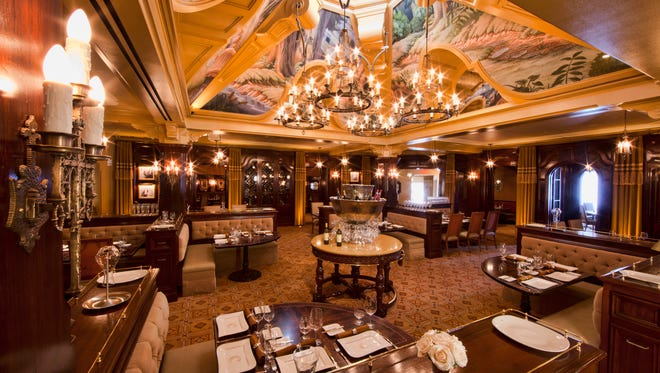 The Carthay Circle Restaurant at California Adventure celebrates the golden age of Hollywood.