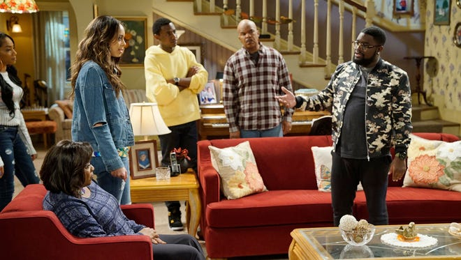 Loretta Devine as Cynthia Carmichael, Amber Stevens West as Maxine, Jerrod Carmichael as Jerrod Carmichael, David Alan Grier as Joe Carmichael, Lil Rel Howery as Bobby Carmichael  in 'The Carmichael Show.'