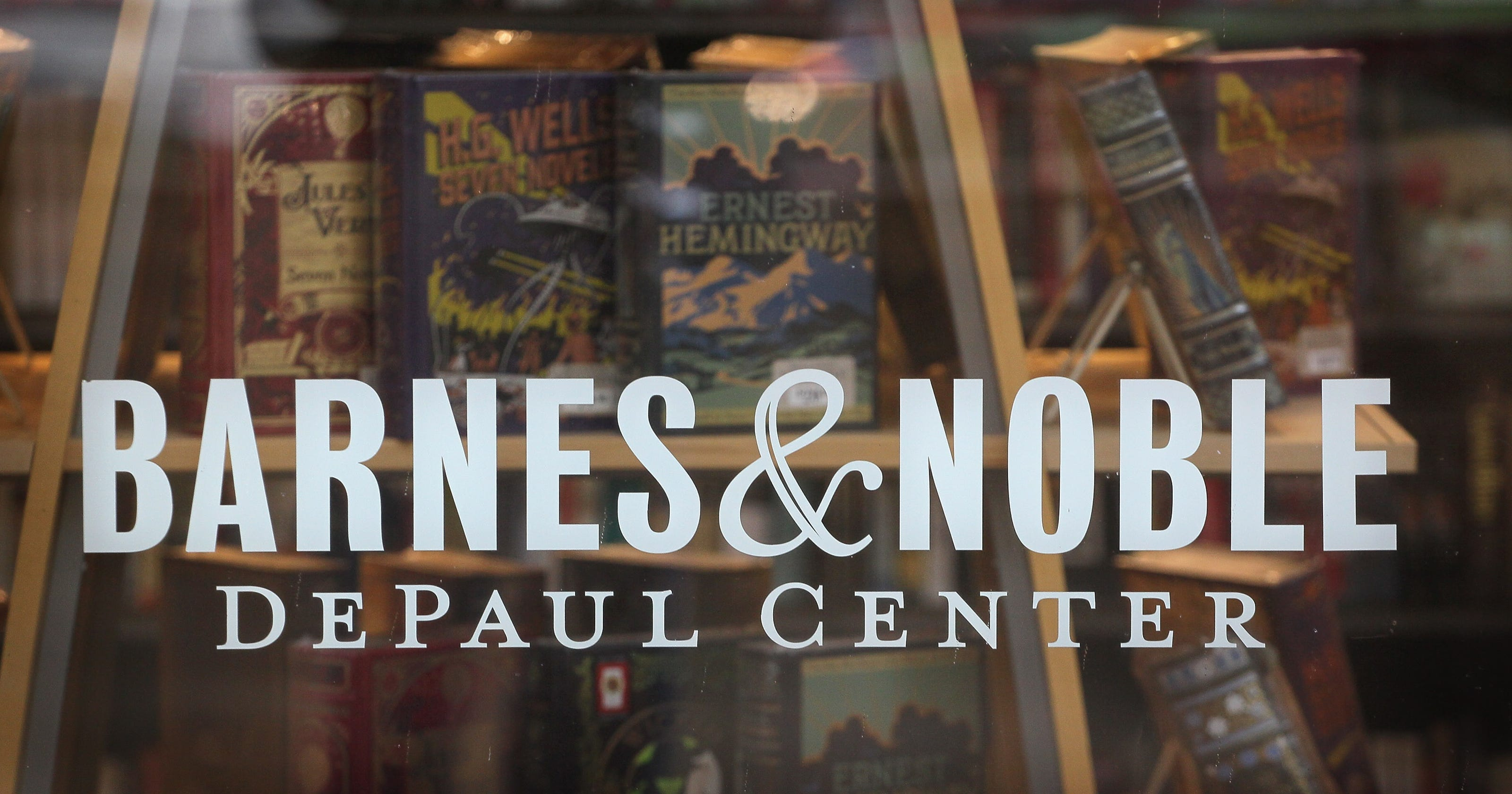 Barnes & Noble urged to sell itself