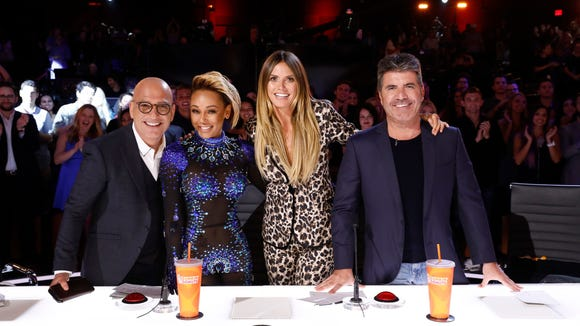 All four judges gave Kechi a standing ovation Tuesday.