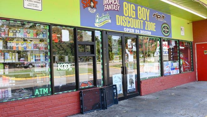Big Boy Discount Zone on the corner of Van Buren and Moss st. Thursday, Oct. 5, 2017.