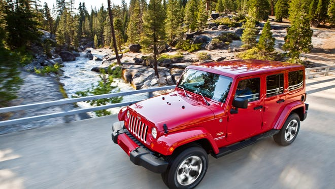 The all-new 2018 Jeep Wrangler delivers off-road capability courtesy of two advanced 4x4 systems and a two-speed transfer case with full-time four-wheel drive — just set it and forget it.