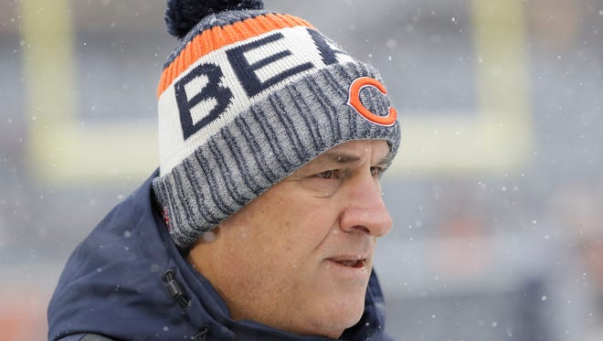 Chicago Bears defensive coordinator Vic Fangio watches before a game against the Cleveland Browns on Dec. 24, 2017.