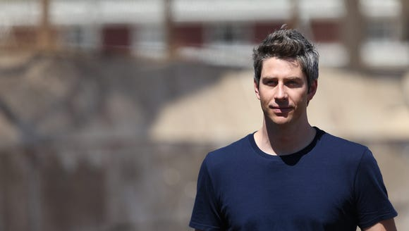 Arie Luyendyk Jr. continues to look for love.