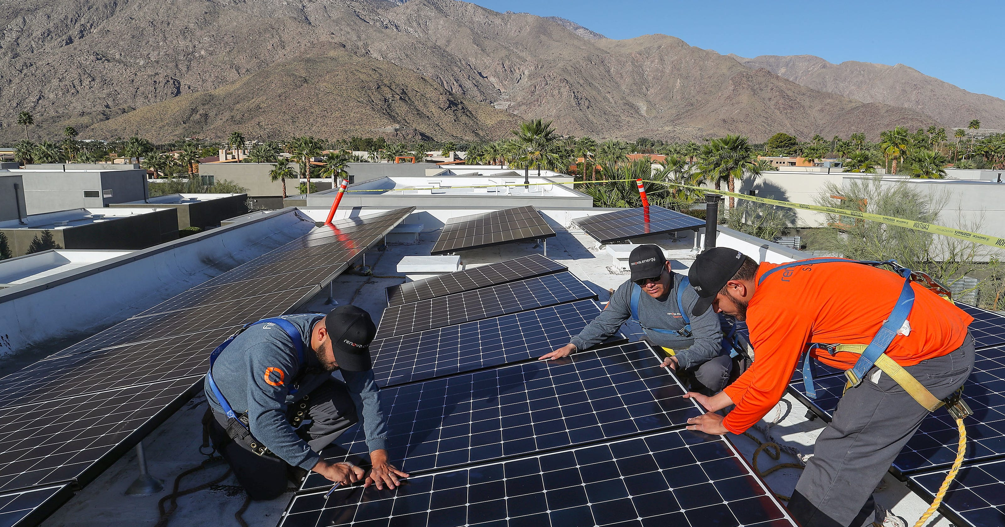 Coachella Valley Homes Could Save Thousands From Ca Solar Mandate Ford Panel Roof