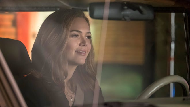 Rebecca (Mandy Moore) is behind the wheel in Tuesday's aptly titled 'This Is Us' episode: 'The Car.'