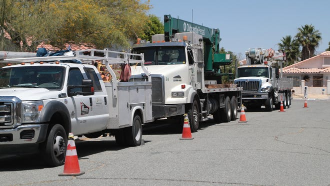 Southern California Edison replaces a transfomer structure in Cathedral City, Calif., Monday, May 14, 2018. SCE has scheduled outages for routine maintance work throughout the year.