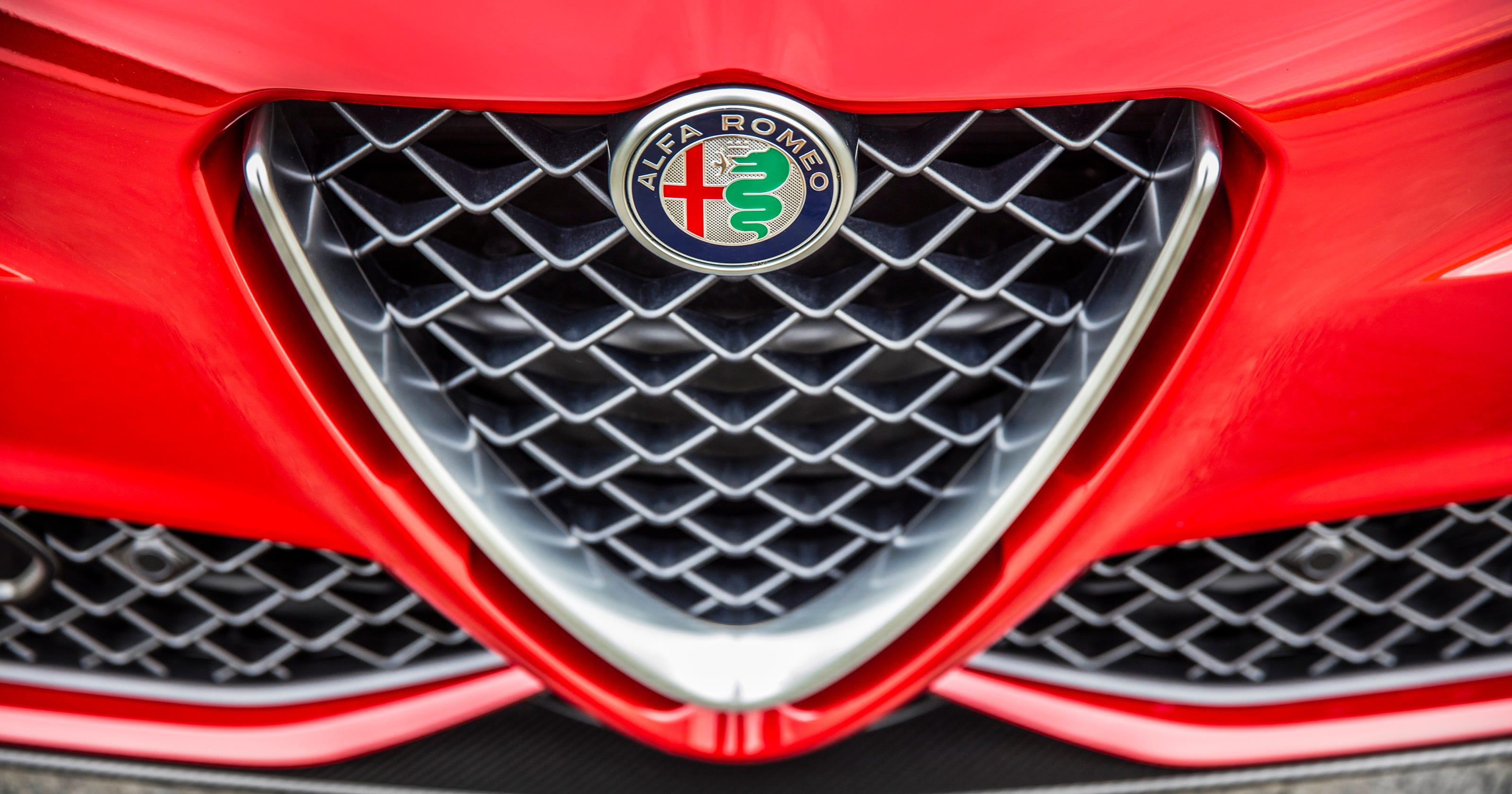 Alfa Romeo 8c Fiat Chrysler To Revive Supercar