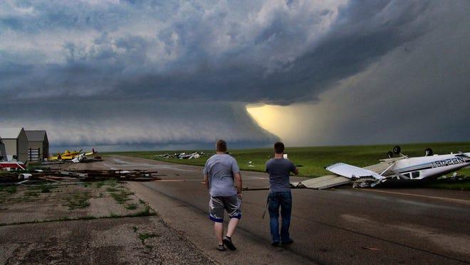 A storm cell cloud near Plentywood on Monday.