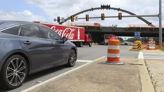 Painting and other construction-related work will close McFarland Boulevard under the Interstate 20/59 bridge this weekend, ALDOT officials said. [Staff file photo/Gary Cosby Jr.]