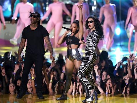 Ty Dolla Sign, Tinashe, Charli XCX perform