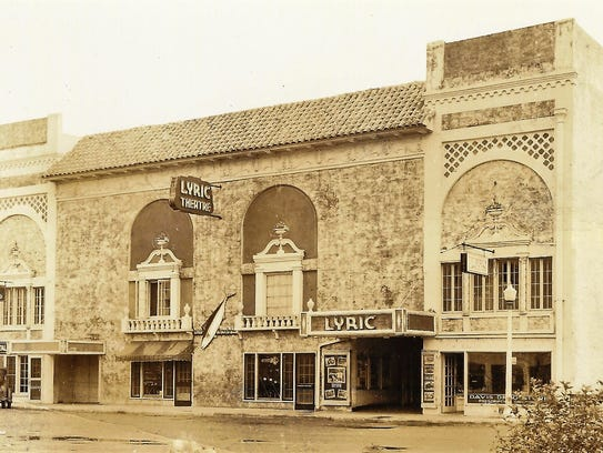 Lyric Theatre (third one, opened in 1926) during the